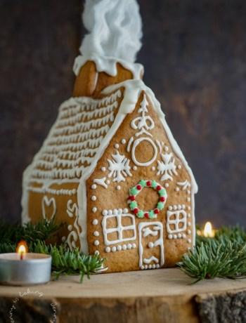 Lebkuchenhaus oder Knusperhaus zu Weihnachten