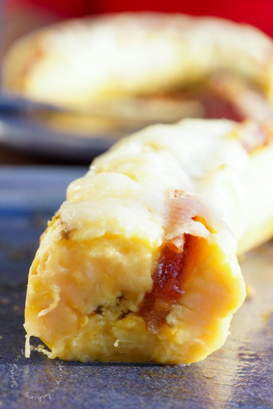 Bananen mit Quittenpaste und Käse oder platanos con queso y bocadillo