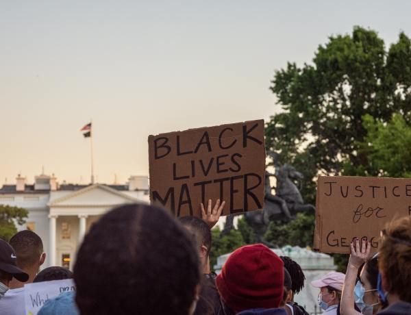 Black Lives Matter protest at the White House. May 2020. Photo by Koshu Kunii on Unsplash.