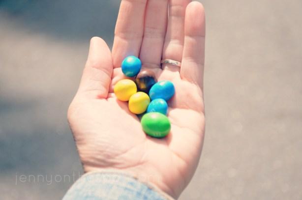 a handful of peanut m&ms