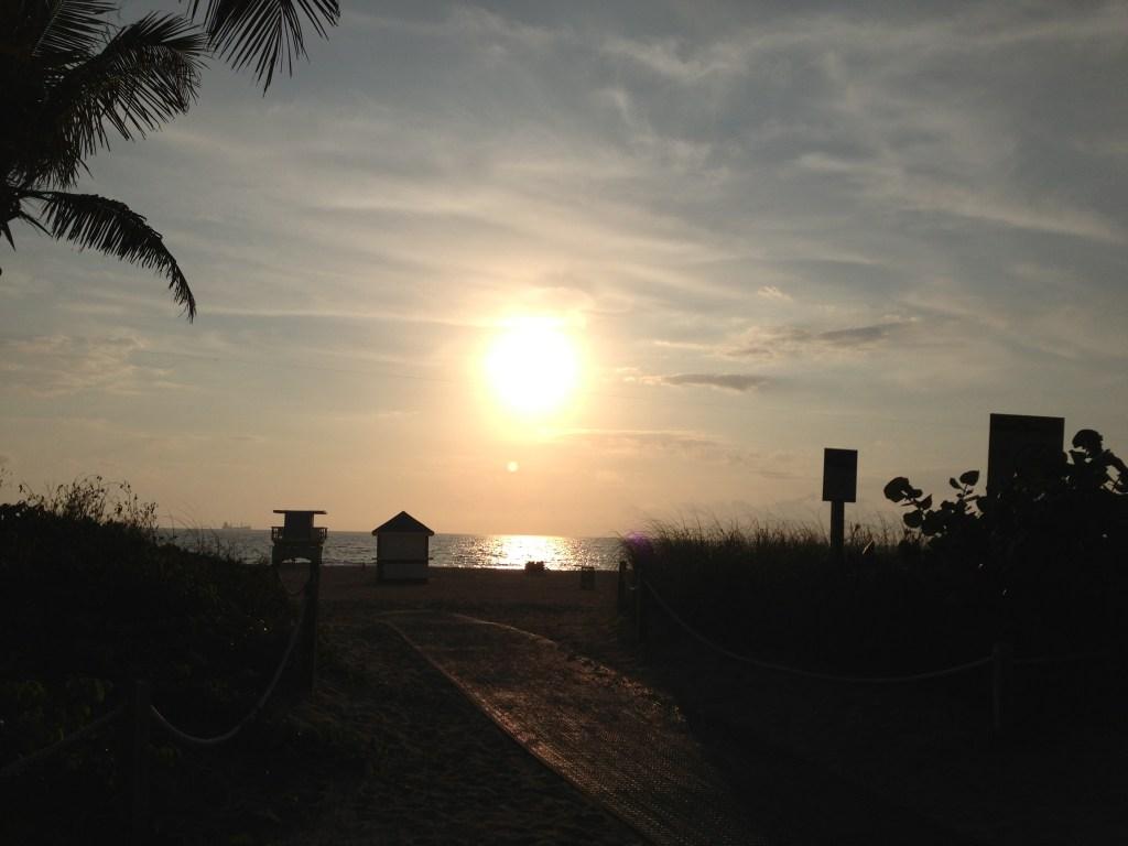 Miami sunrise via @jennyonthepot