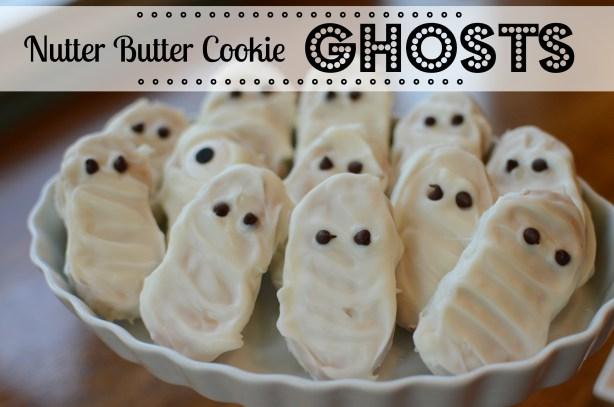 Halloween Treats: Nutter Butter Ghosts (or mummies!) by @jennyonthespot