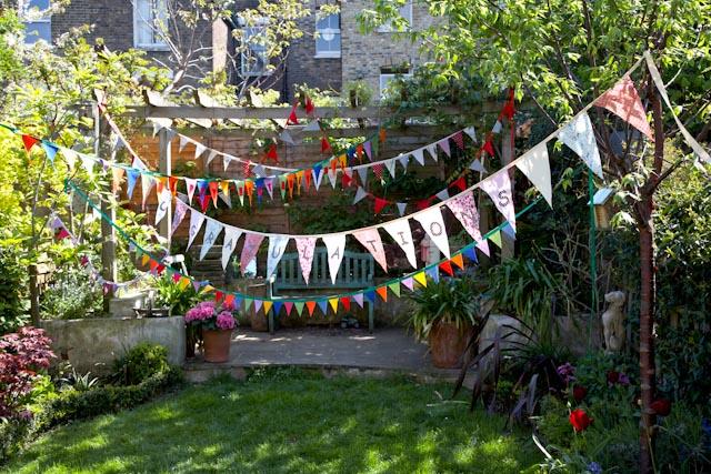 10 Beautiful Backyard Escape Ideas - bunting