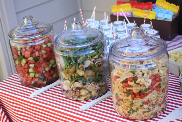 Use glass canisters to keep bugs out of food! (11 Ways to Impress Guests at Your Outdoor Party! via @jennyonthespot)