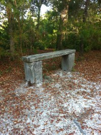 Bench at hiking trail & Moccasin Crossing