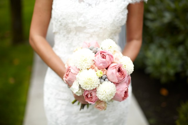 Dahlia & Garden Rose Bouquet by Jen's Blossoms || photo © Kate Price Photography