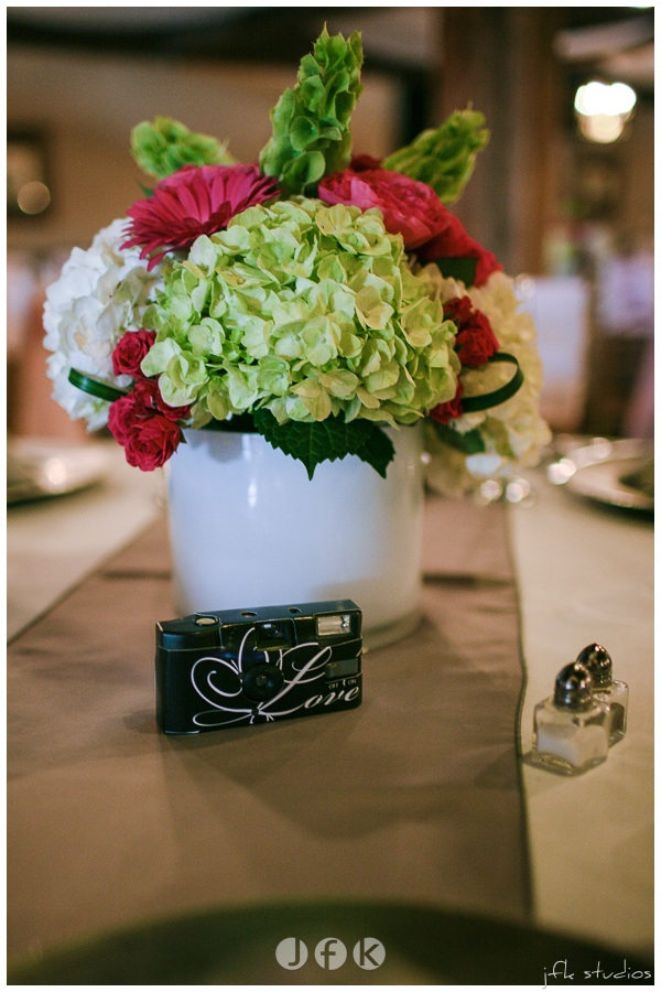 Hydrangea & Gerbera Daisy Centerpiece by Jen's Blossoms | photo by JFK Studios