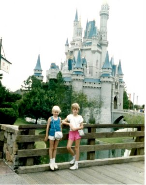 Jen and her sister at Disney in the late 1980s.