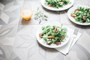 Winter Arugula Pear Salad with Mandarin Oranges and Yogurt Dressing