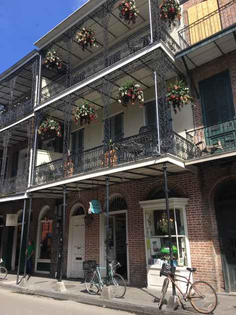 New Orleans balcony architecture