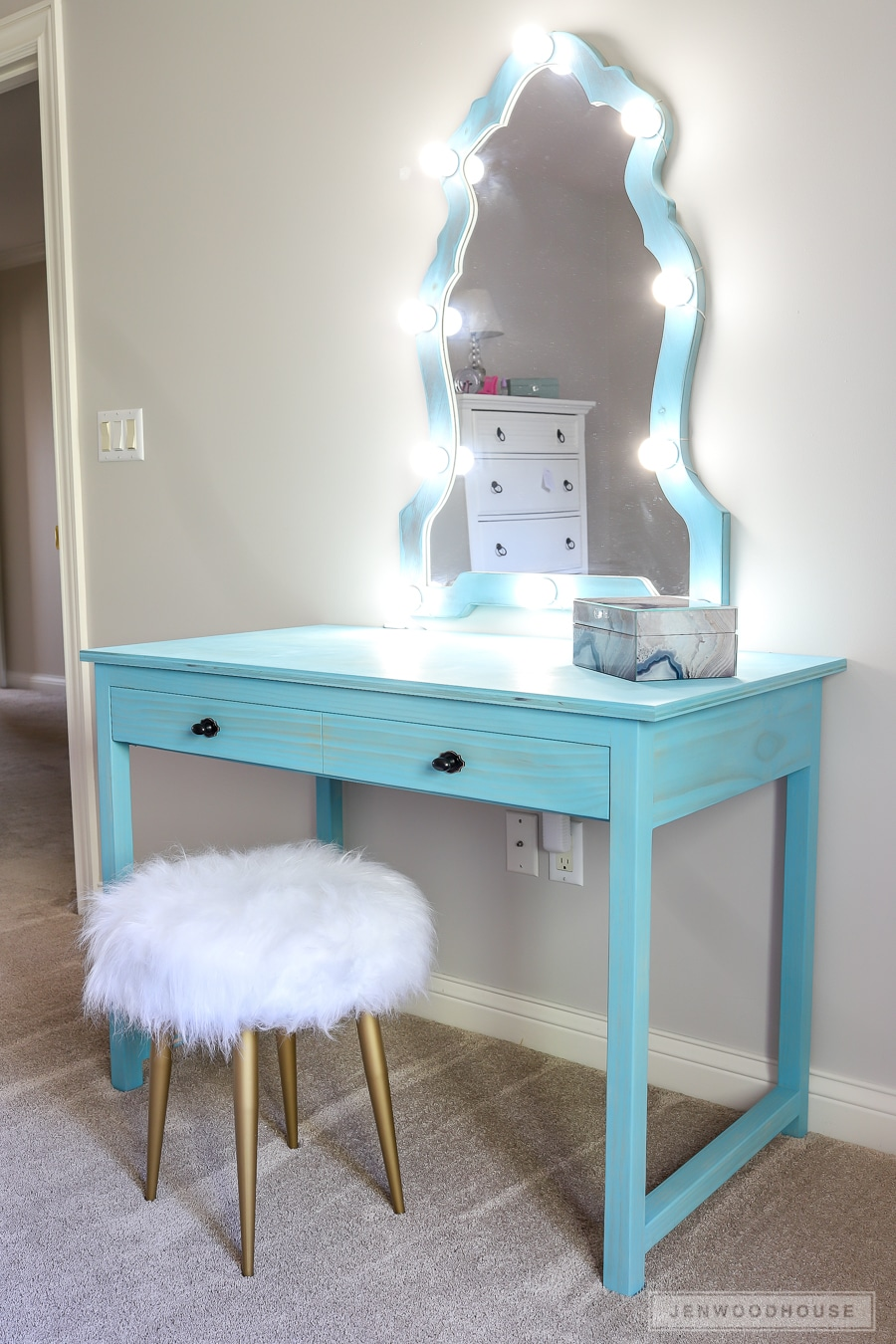 how to build a diy makeup vanity with