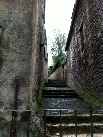 A stepped alley