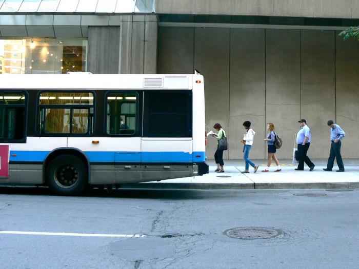 Queue bus Montreal