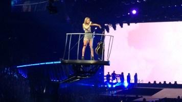Taylor-Swift-1989Tour-STL-093015