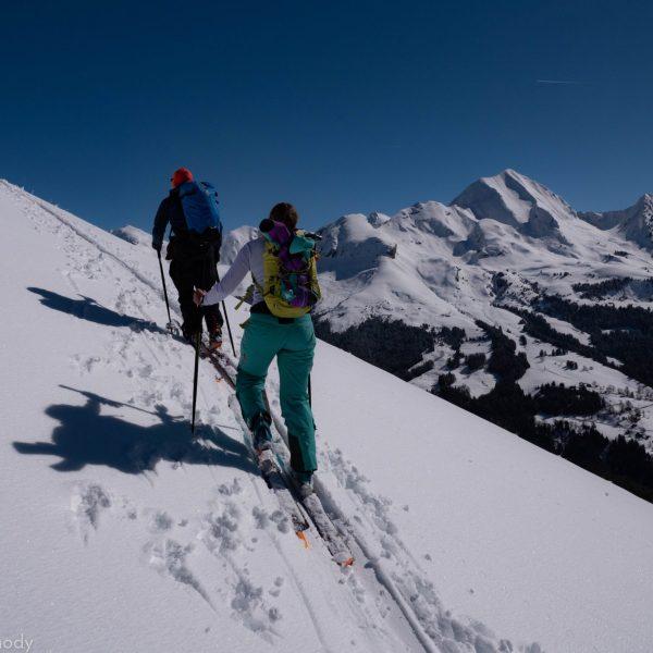 Ski de randonnée face au Mont-Charvin