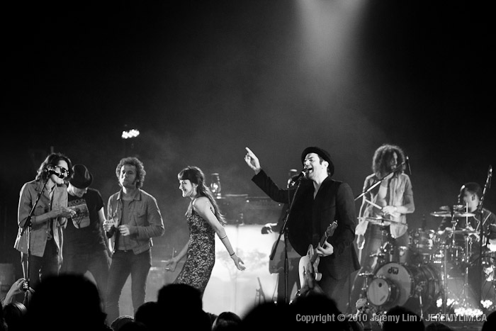 Bedouin Soundclash, Charlie Winston, and Michael Rault performed at Vancouver's Vogue Theatre.
