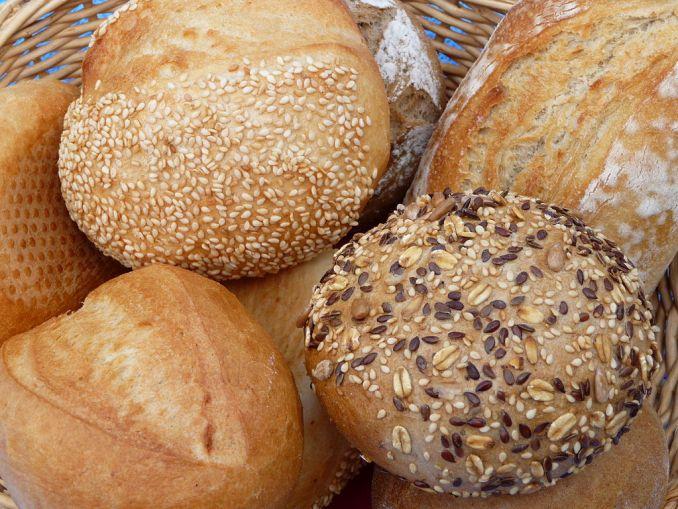 5 Kebiasaan Orang Jerman Menurut Orang Perancis. Aneka roti khas Jerman dikenal dengan nama Brötchen
