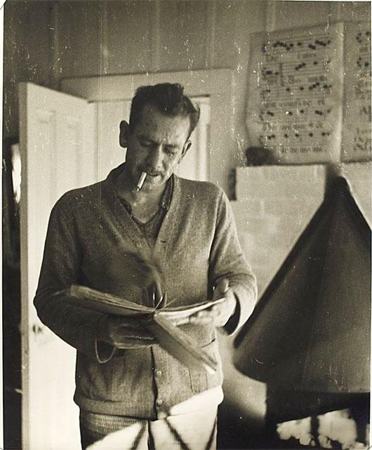 Bladmuziek op John Steinbeck's schoorsteenmantel?