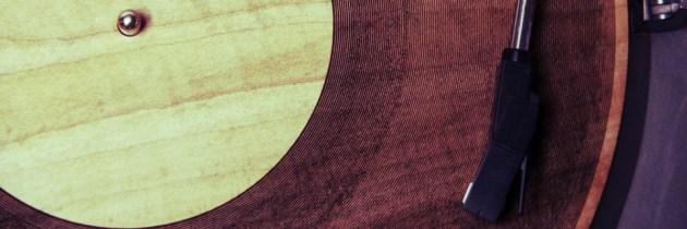 Radiohead op een houten lasergesneden LP