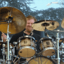 Drumlegende Sean Reinert is overleden