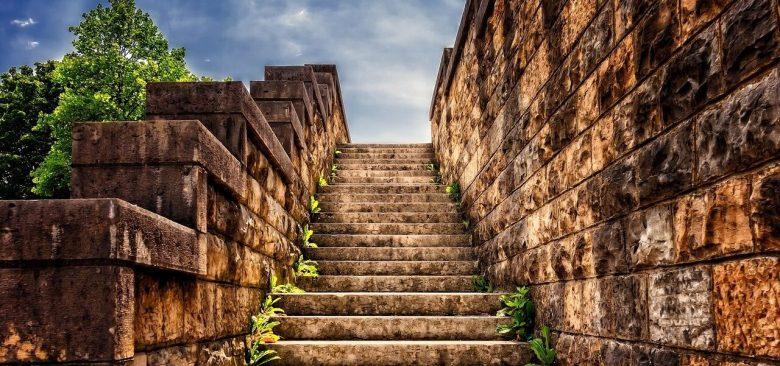 Apuntes sobre El muro, de Paz Castillo, por Jerónimo Alayón.