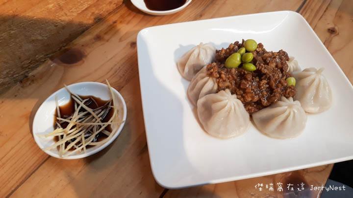 【台北。大安區】湯包可以這樣吃?上海邵師傅湯包居然有炸醬、臭豆腐還有爆醬起司口味