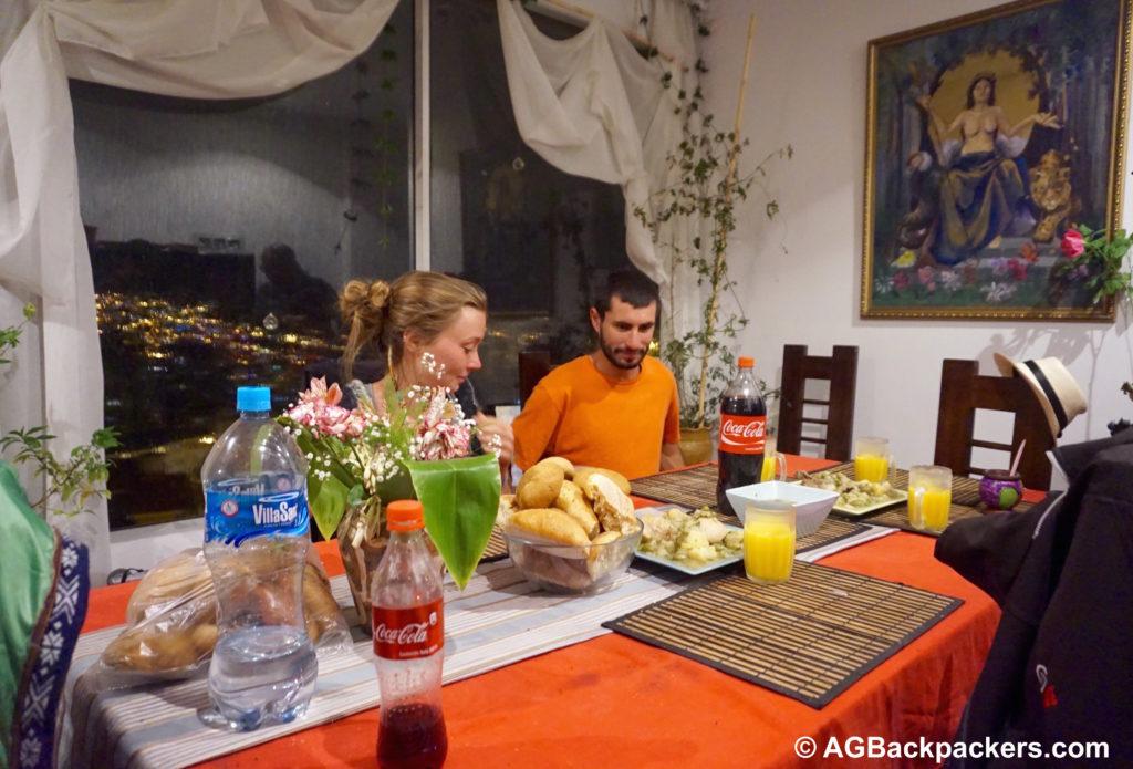 Sharing Tajine Betata ou Zitoune à La Paz