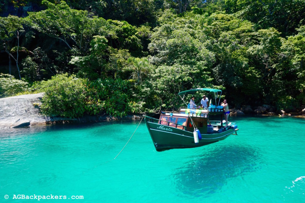Sortie en bateau dans la baie de Paraty Rio de Janeiro Brésil