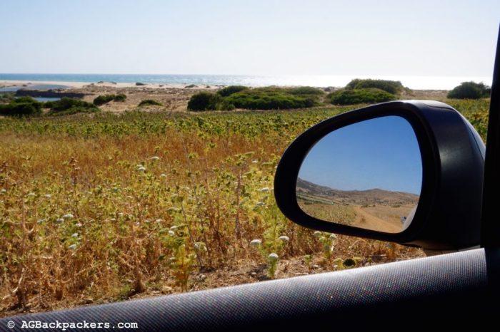Sur la route vers une plage déserte - Asilah