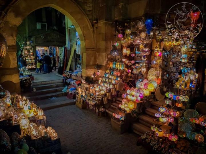 Tienda de lámparas en Mercado de Khan el-Khalili
