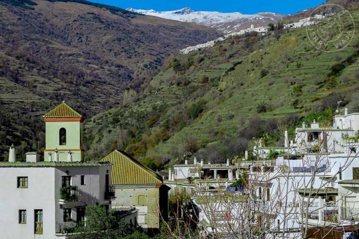 Desde Bubión vistas a Capileira y a Sierra Nevada, alpujarra granadina, pueblos mas bonitos de españa