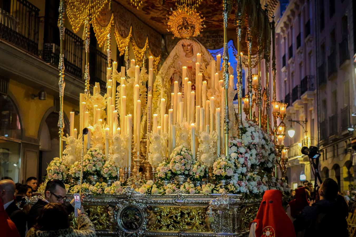 Trono Semana Santa en Granada, España. Procesión