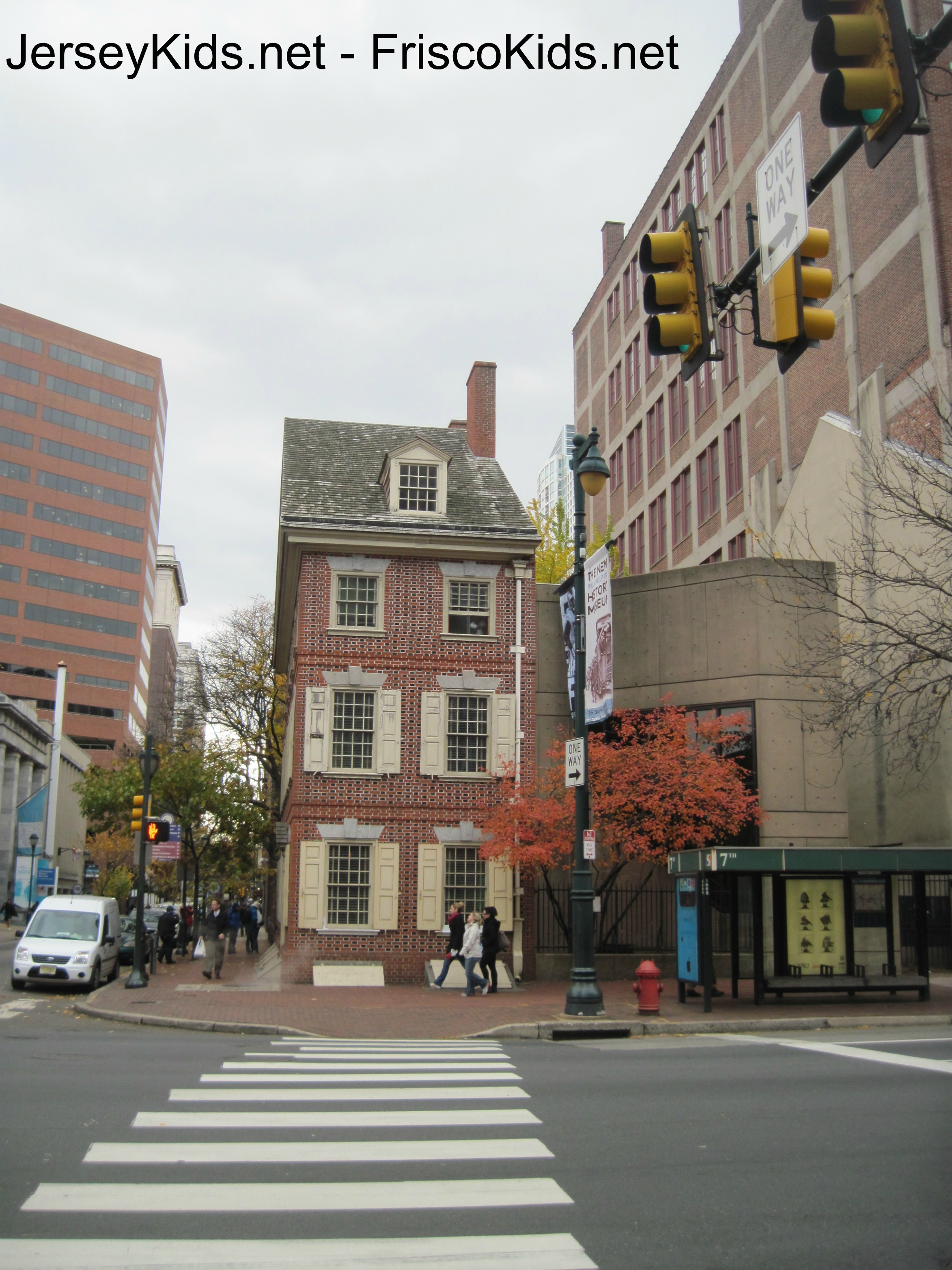 Philadelphia Liberty Bell And Independence Hall With Kids