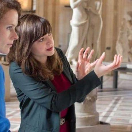 emma Tour guide Louvre