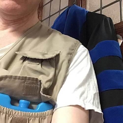 Under my academic robes... photographer vest with 3 frozen ice packs. #heatwave #HonorsConvo @setonhilluniversity