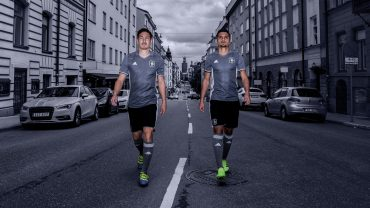 Campaign photo for the release of AIK's 125-year jersey.