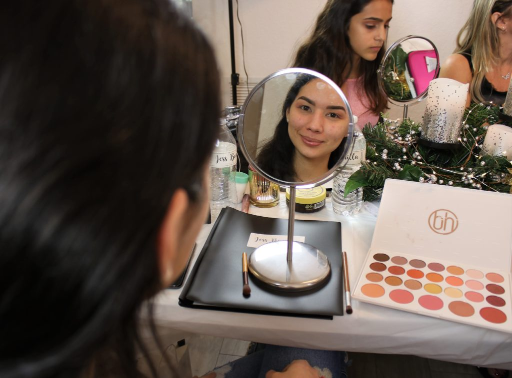 jess bonilla holiday makeup class