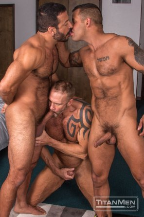 silv_action_DallasDavidVinnie_0412
