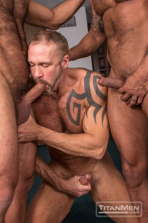 silv_action_DallasDavidVinnie_0423