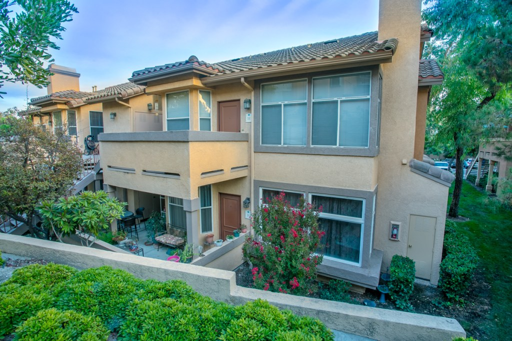 Condo in Foothill Ranch For Sale
