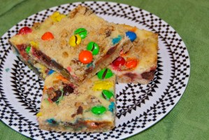 M&M Cheesecake Squares