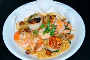 Pasta with Scallops, Shrimp and Basil