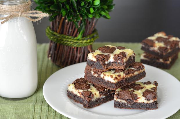 Black and White Cheesecake Bars