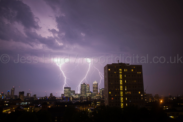 Lightening strikes financial buildings, including Barclays, Citi Bank and JP Morgan. Canary Whark. Docklands, East London. © Jess Hurd/reportdigital.co.uk Tel: 01789-262151/07831-121483   info@reportdigital.co.uk   NUJ recommended terms & conditions apply. Moral rights asserted under Copyright Designs & Patents Act 1988. Credit is required. No part of this photo to be stored, reproduced, manipulated or transmitted by any means without permission.
