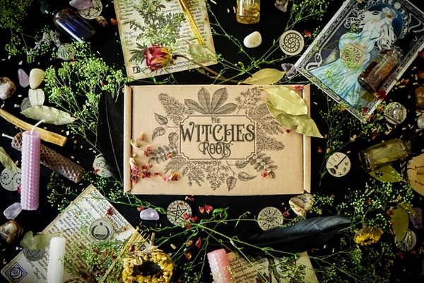 The Witches Roots subscription box, a new box for hedge and green witches