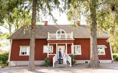 Swedish Wedding Photography – An Outdoor Scandi Woodland Wedding