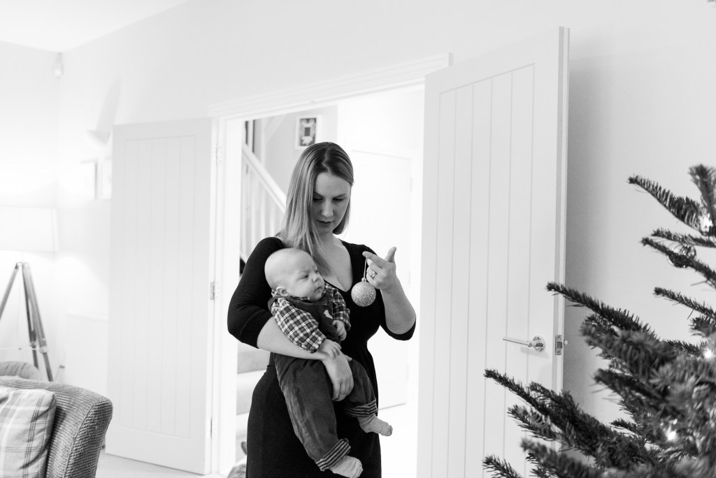 Newborn Photography Guildford, Christmas Family Shoot, Family Decorating The Christmas Tree
