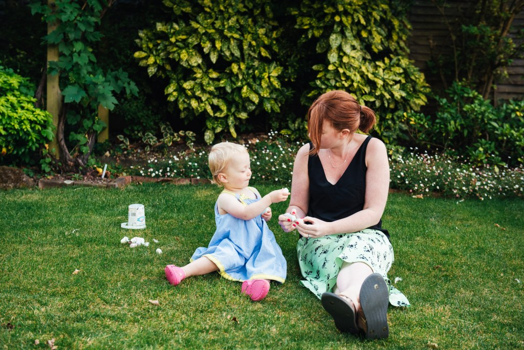 Relaxed Surrey family photography at home