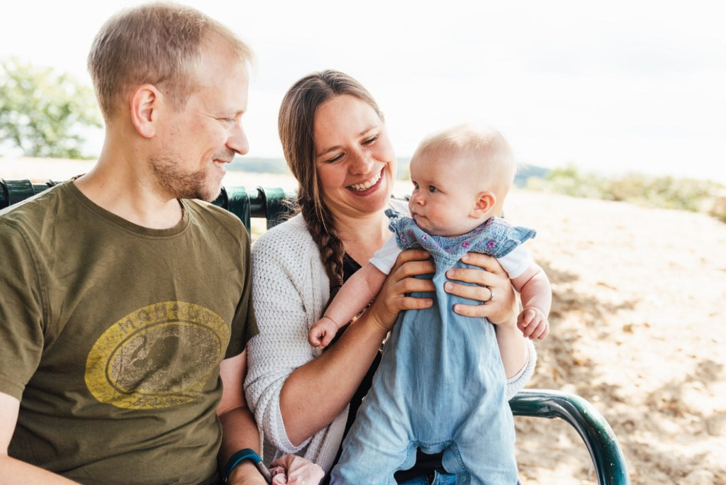 Relaxed family portrait, Holmbury Hill family shoot