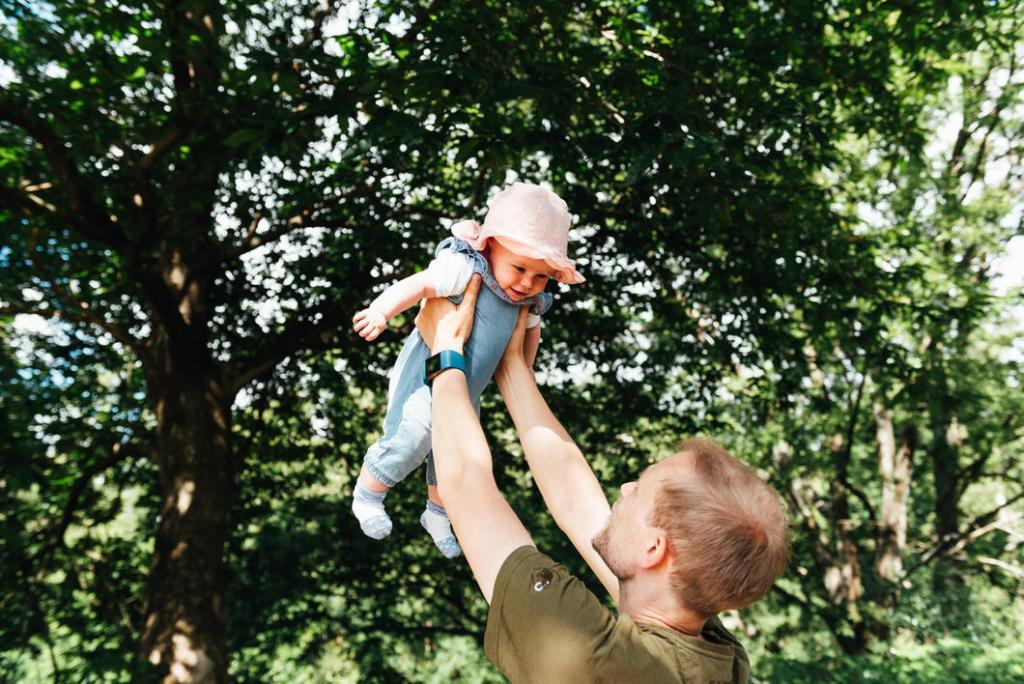 Fun newborn family photography